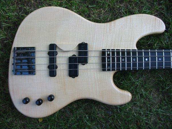 Jazzbass ou Precision P/J... Img_3520